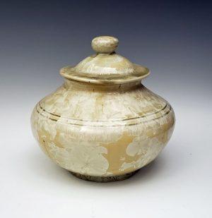 Crystalline urn